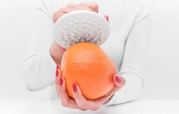 オレンジをつぶす